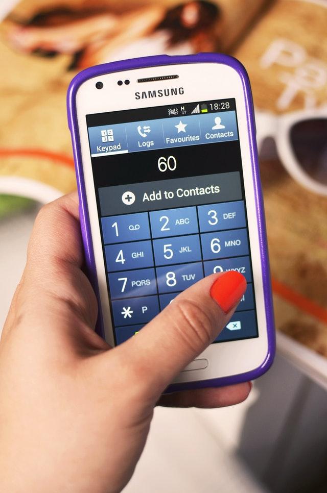 Een telefoonnummer zoeken, is het makkelijker of moeilijker geworden?